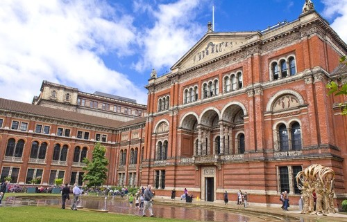 V&A prepares for spending cuts